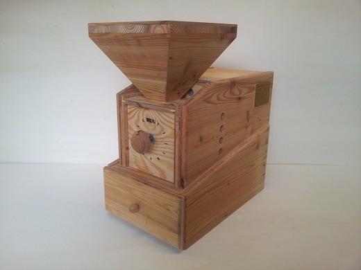 Widu® Kleine Bäckermühle Modell 4 Lärche ... 400 Volt